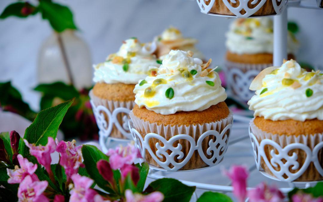 Cupcakes s mangem, marakujou a slaným kokosem